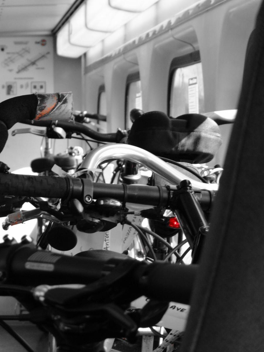Vagones Exclusivos Bicis en Tren Caltrain SF (15)