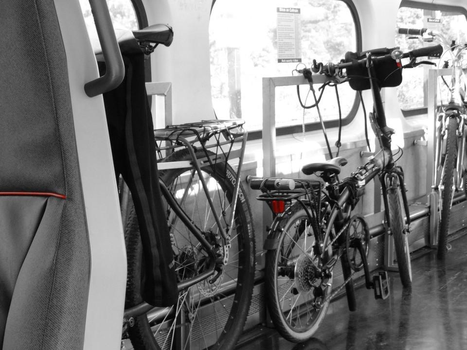 Vagones Exclusivos Bicis en Tren Caltrain SF (13)