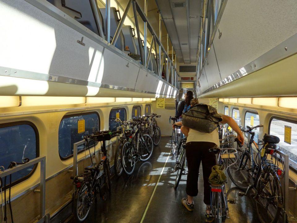 Vagones Exclusivos Bicis en Tren Caltrain SF (24)